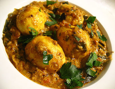 Muttai / Egg Masala (North Indian Onion Gravy)